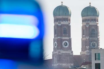 München: Autofahrer versucht, Polizei zu entkommen: Flucht hat speziellen Grund