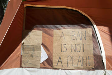 """Austin City Council zeros in on homeless encampment sites and """"bridge"""" shelters"""