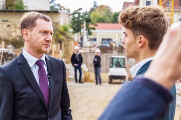 Dresden: Politik-Format: Azubi nimmt sich Sachsens Minister vor!
