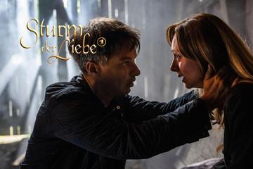 Sturm der Liebe: Sturm der Liebe: Ariane in Panik - Lässt Robert sie alleine im Wald zurück?