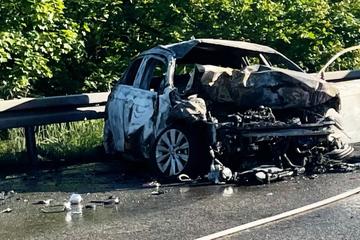 Unfall A66: Lastwagen kracht in Stau-Ende: Ein Toter, Autobahn bei Offenbach voll gesperrt