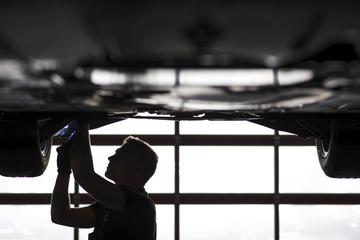 Bremsbeläge aus Sägemehl: Autobauer kämpfen gegen Produktfälscher