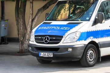 Frankfurt: Polizei sucht Obdachlosenlager und stößt auf verwesende Hunde-Leiche