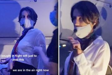 Mit Mikrofon! Frau nervt ganzes Flugzeug mit ihrer Corona-Verschwörungs-Theorie