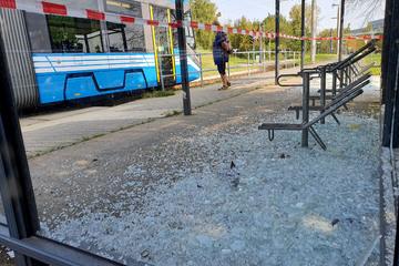 Chemnitz: Vandalismus in Chemnitz: Haltestellen-Scheiben zerstört