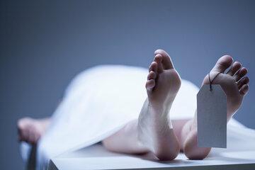 Medizinstudent soll an Leiche üben: Als er sieht, wer vor ihm liegt, stürmt er aus dem Saal!