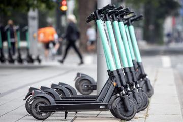 Zoff in Düsseldorf: E-Scooter-Anbieter wehren sich gegen Maßnahmen
