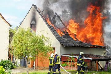 Haus brennt im Osten Sachsens nahezu komplett nieder