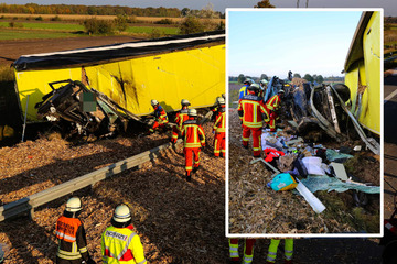 Tödlicher Unfall auf A7: Lkw kracht gegen Abschleppfahrzeug auf Seitenstreifen