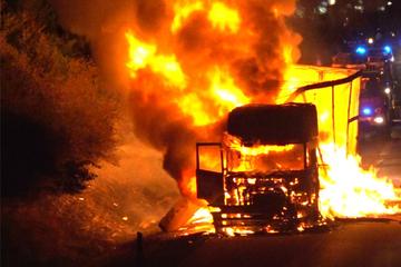 Unfall A38: Nach Lkw-Brand auf der Autobahn: Sperrung der A38 aufgehoben!