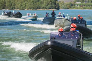 Schlauchboot treibt im Rhein, aber wo ist die Besatzung?!