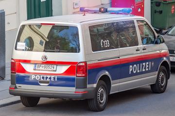 Messer-Angriff in Wien: Mann geht wahllos auf Passanten los und sticht auf sie ein!