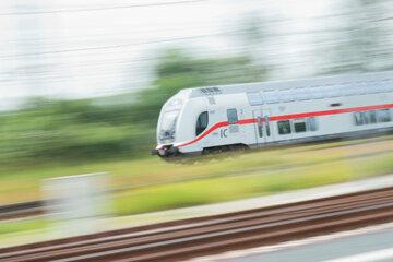 Dresden: Dresdner Reisegruppe zwingt Intercity zum Notstopp