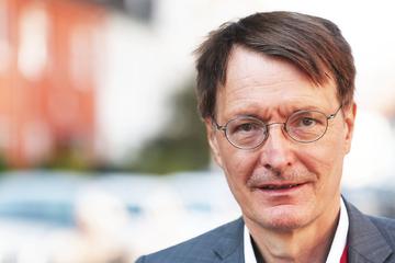 """""""Riesige Baustellen"""": Karl Lauterbach übt Kritik am Gesundheitswesen!"""