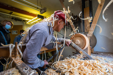 Erzgebirgs-Handwerker zeigen ihr Geschick