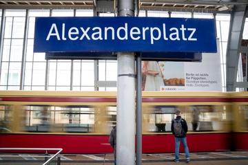 Notarzteinsatz und Stromausfall: Chaos bei der Berliner S-Bahn
