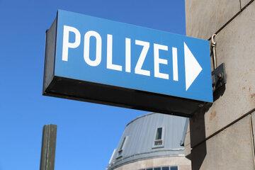 Betrunkene Jugendliche beklauen die Polizei: Mehrere Streifenwagen im Einsatz