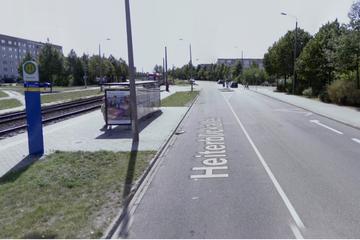 Klinik! Achtjährige rennt plötzlich auf die Straße und wird von Mazda erfasst