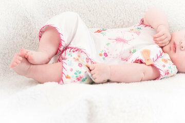 """""""Ugly Baby Challenge"""" auf TikTok: Eltern teilen Baby-Fotos und bezeichnen Kind als hässlich"""