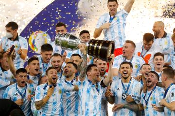 Messi schlägt Neymar im Maracanã! Argentinien sichert sich Copa-Sieg gegen Brasilien