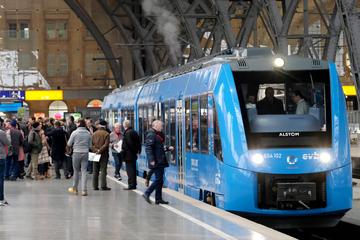 Erste Tram ohne Leitung in vier Jahren: Beim Wasserstoff will Sachsen ganz vorne mitspielen