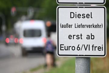 """Grüne loben CDU-Umweltministerin für Verhinderung von Fahrverboten, aber """"nicht alles Tutti-Frutti"""""""
