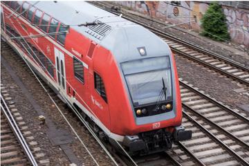 Polizei warnt vor menschlichen Leichenteilen auf Bahnstrecke