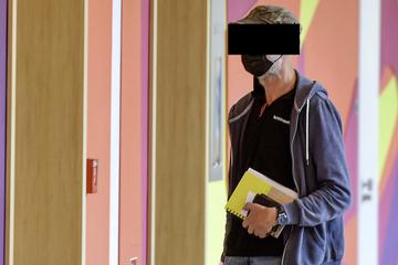 Glimmstängel-Würfe über die Grenze: Koch landet vor Gericht