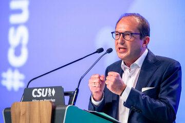 München: Nur vier stimmten dagegen: Dobrindt bleibt CSU-Landesgruppen-Chef