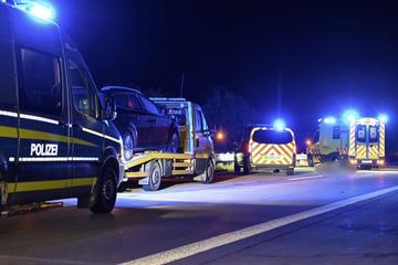 Unfall A4: Mann steigt mitten auf A4 aus dem Auto, wird von Transporter erfasst und stirbt!