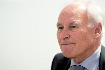 Klimaschutz ist höheres Ziel: Ex-CSU-Boss Erwin Huber spricht sich für Tempolimit aus