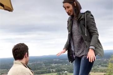 Mann will Freundin Heiratsantrag machen, dabei funkt seine Mutter dazwischen