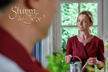 Sturm der Liebe: Sturm der Liebe: Lia traut ihren Augen nicht - wer steht denn da plötzlich vor ihr?