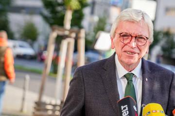 Kommt das 2G-Modell? Volker Bouffier präsentiert Beschlüsse des Corona-Kabinetts