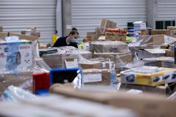 Deutsches Rotes Kreuz richtet riesiges Logistik-Lager für Hochwasser-Spenden ein