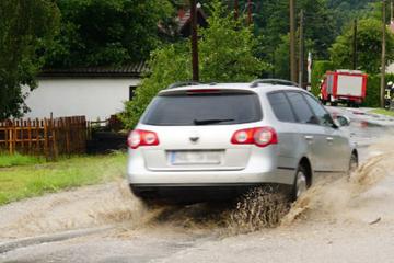 Starkregen trifft Ostsachsen: Baumarkt in Görlitz unter Wasser