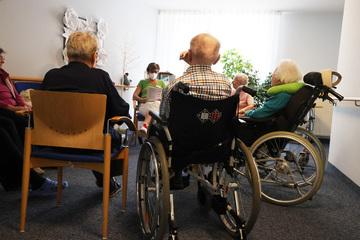 """Droht eine """"humanitäre Katastrophe"""" in Deutschlands Pflegebranche?"""