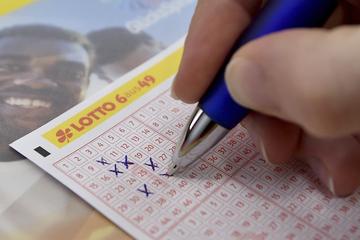 Hamburger Lottospieler räumt Millionengewinn ab: Jetzt tickt seine Uhr