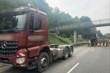 Baustellenfahrzeug kracht gegen Brücke - Einsturzgefahr!