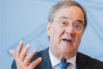 Plagiat-Affäre um Armin Laschet: Prüfer entlastet den Kanzlerkandidaten