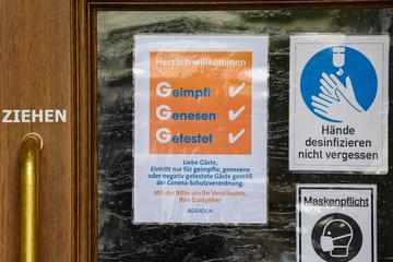 Kommt der nächste Corona-Hammer? CDU und Grüne fordern 2G-Regel für die Gastronomie!