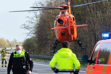 Fatales Überholmanöver: Zehn Verletzte bei Frontalcrash mit VW-Bus aus Sachsen