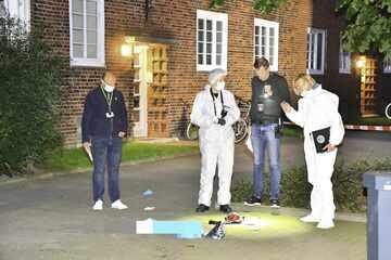 Hamburg: Mann mit lebensgefährlichen Stichwunden auf Gehweg gefunden