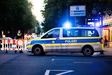Intensive Polizeieinsätze am Wochenende: Situationen arten aus, fünf Beamte verletzt