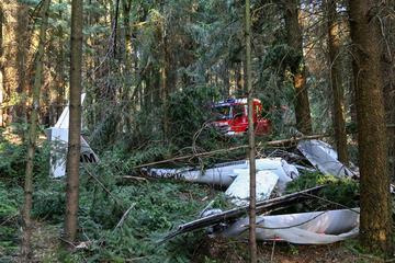 Nach Absturz von Kleinflugzeug: Schwer verletzter Pilot inzwischen wieder stabil