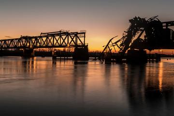 Anwohner können aufatmen: Neue Friesenbrücke wird endlich gebaut!