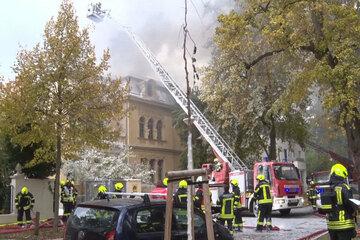 Feuer zerstört denkmalgeschützte Villa in Potsdam