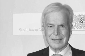 Er prägte den Kicker: Rainer Holzschuh (†77) ist tot