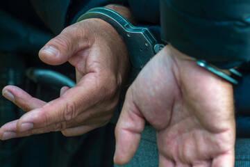 Frau (33) wurde angezündet: Tatverdächtiger Polizist (56) schweigt nach Mordversuch