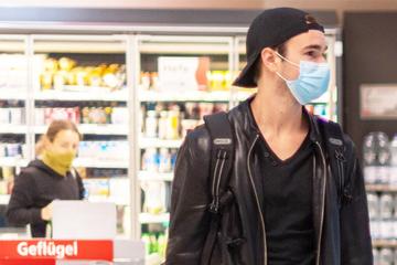 Maske auf! Großstädte in Sachsen steuern auf Rückkehr der Maskenpflicht beim Shopping zu